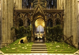 Grafika 1000 - Michael Whitefoot - Easter in Worcester Cathedral