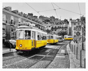 Pintoo 2000 - Plastic Puzzle - Yellow Trams in Lisbon