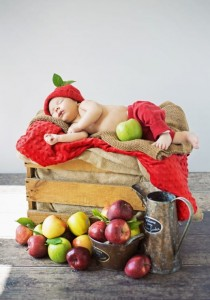 Grafika 1000 - Konrad Bak: Baby and Apples